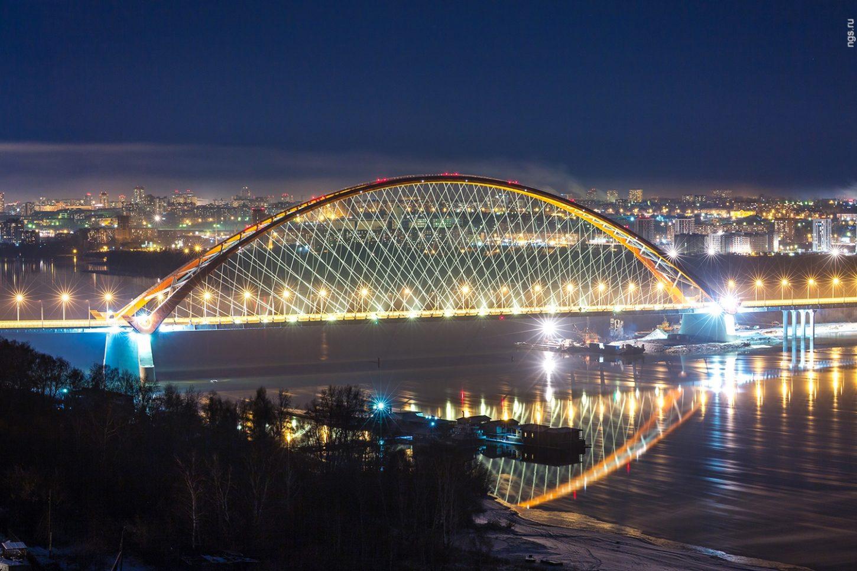 ночная подсветка новосибирского Бугринского моста фото