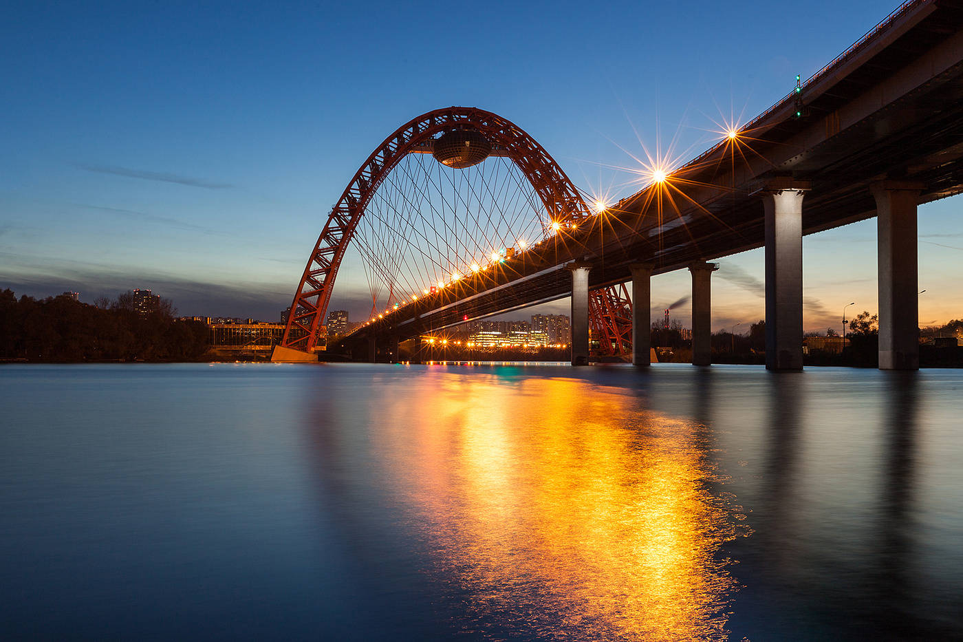 вантовый Живописный мост ночью фото
