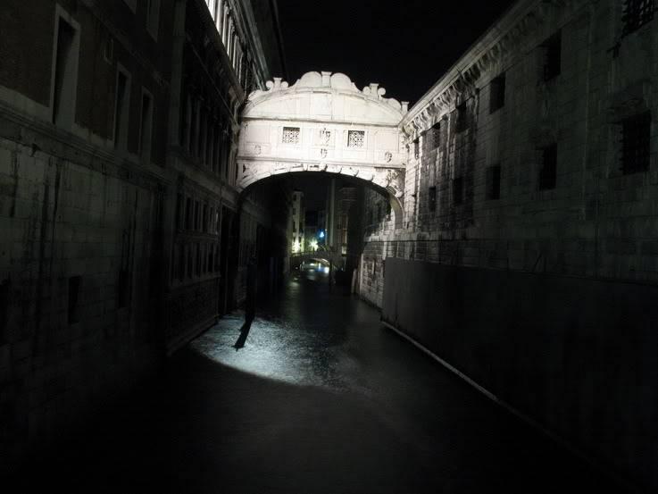 ночной вид на Мост Вздохов фотография