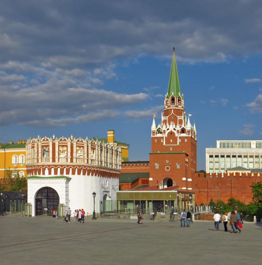 троицкая башня и кутафья башня фотография