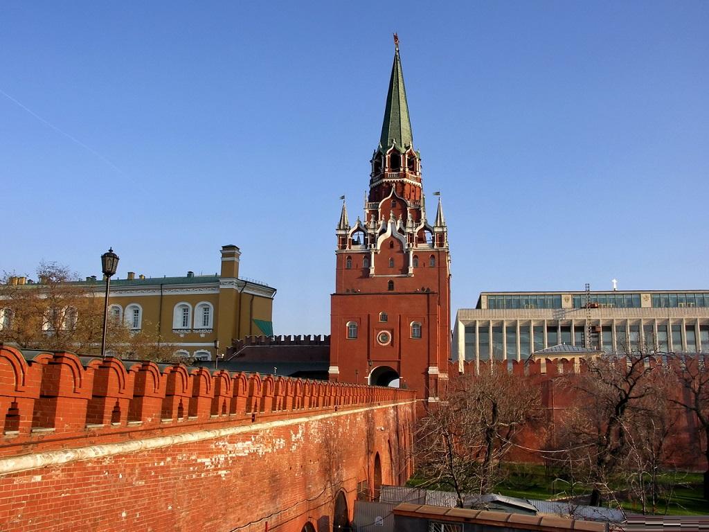 Троицкая башня и Троицкий мост фото