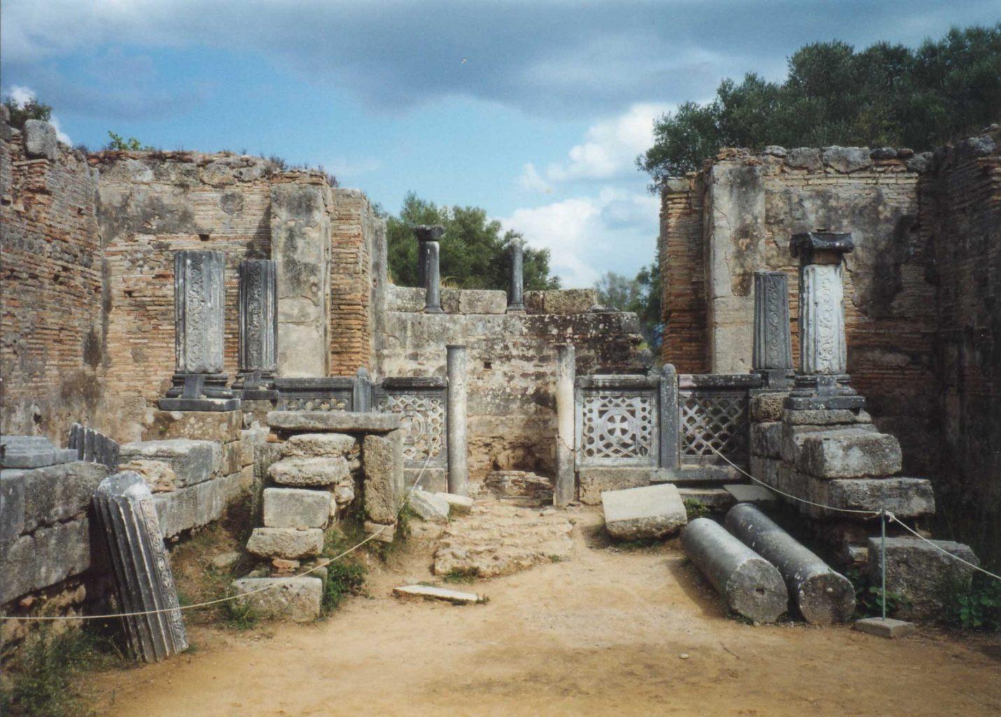 руины мастерской Фидия в Олимпии