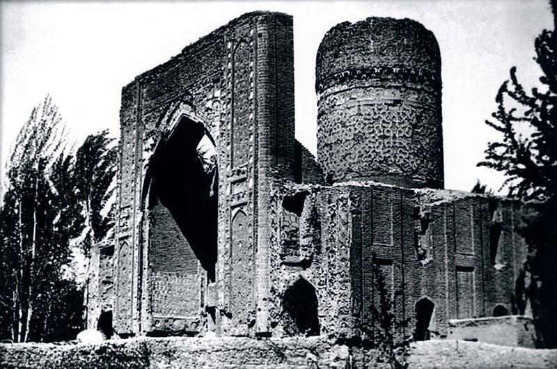 Мавзолей Ишратхана