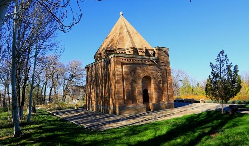 Мавзолей Бабаджа-хатун