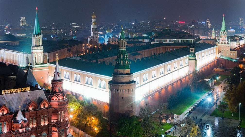 [Изображение: Kremlin-turret-11.jpg]
