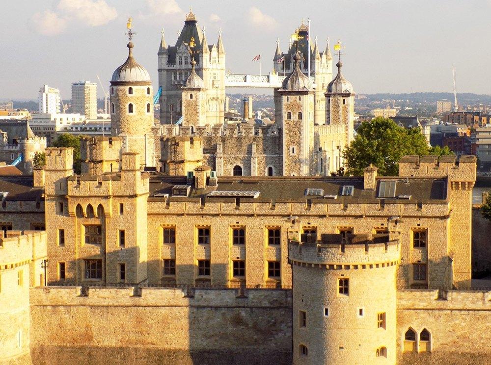 Лондонский Тауэр из камня и известкового раствора