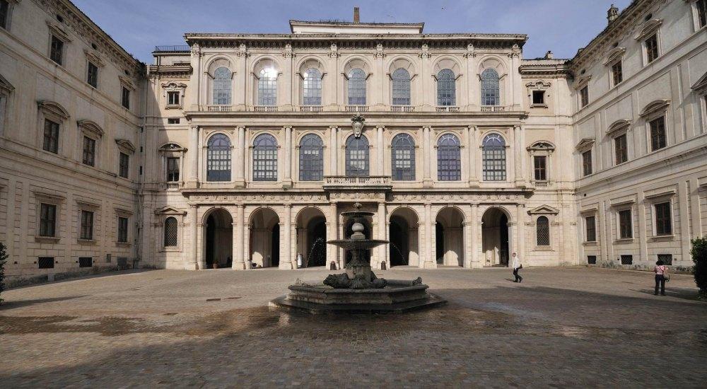 Класика. Палаццо Барберини в Риме
