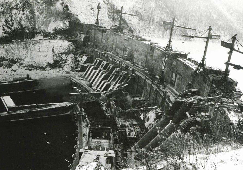 Фото строительства ГЭС
