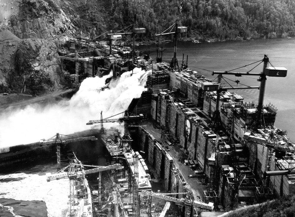 Архивное фото Шушенской ГЭС