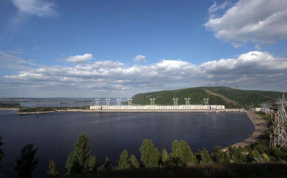 Вид на Жигулевскую ГЭС