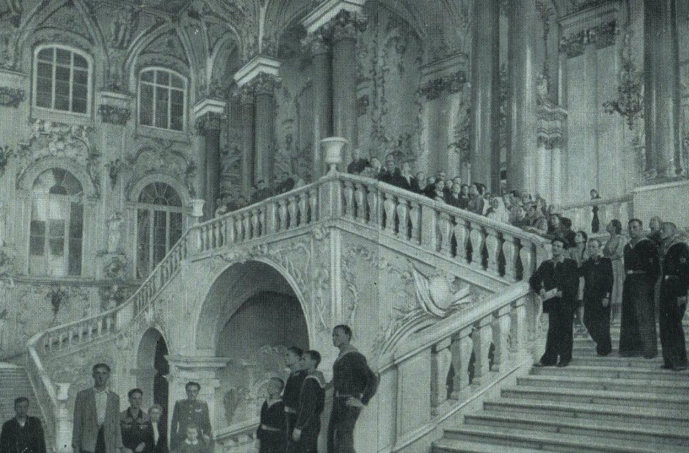 Дворец в роли дворца
