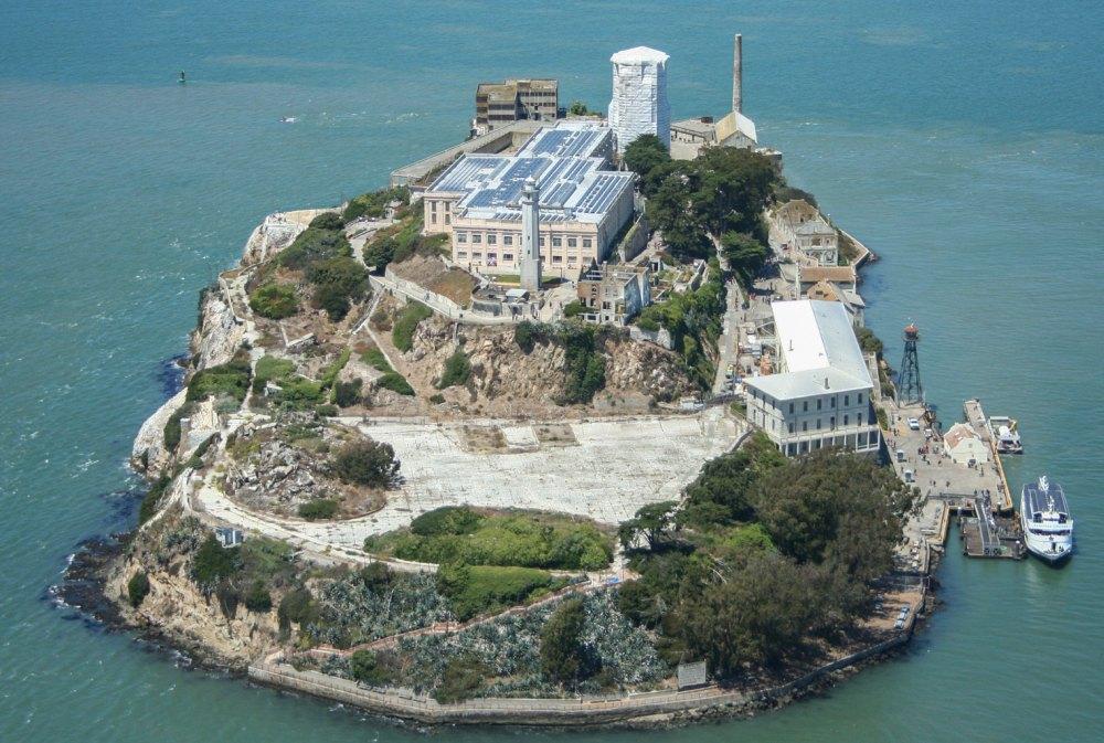 Остров Алькатрас, вид сверху