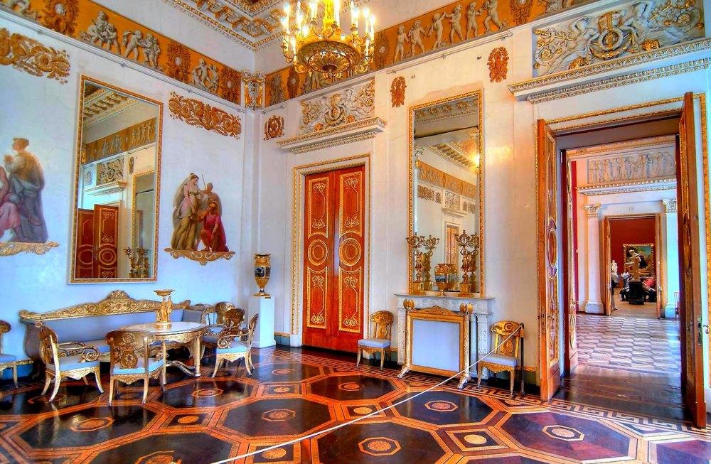 Интерьер Михайловского дворца
