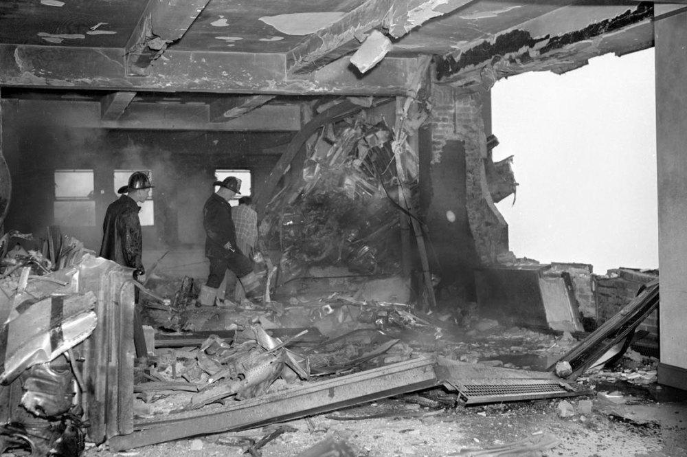 Разрушения после бомбардировщика