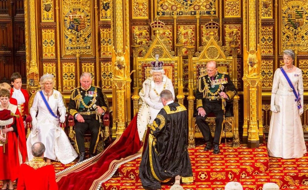 Королева на троне