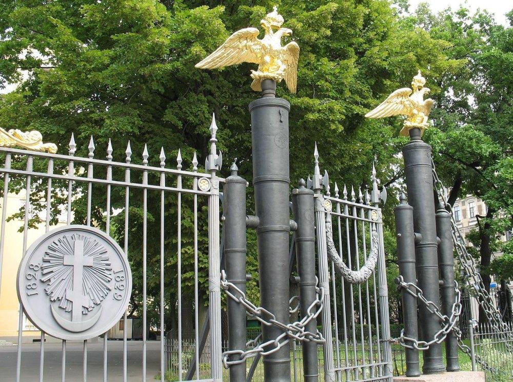 Ограда Собора Преображения Господня всей гвардии