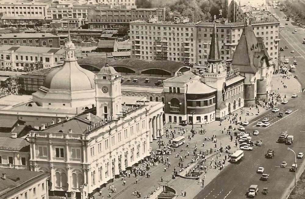 Комсомольская площадь в советское время