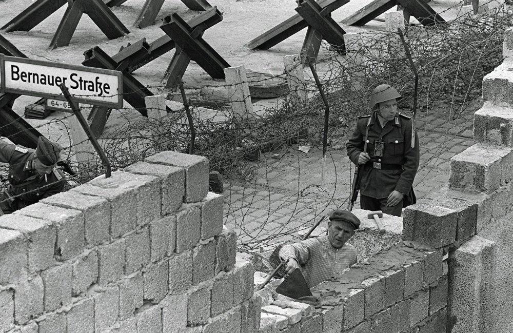Возведение Берлинской стены, 1961 год