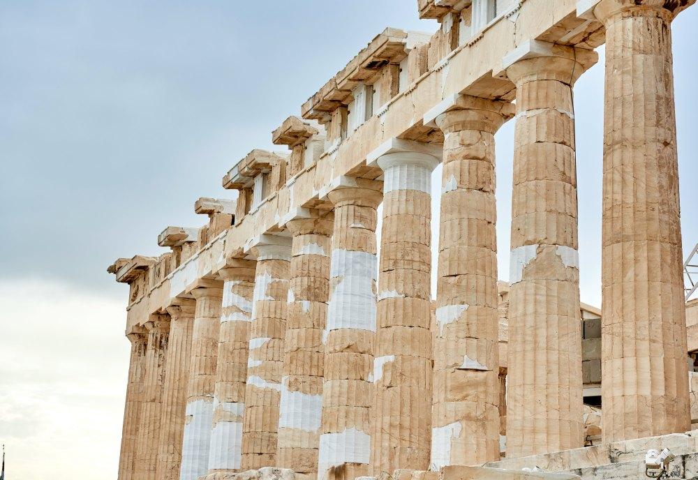 Колонны древнего храма