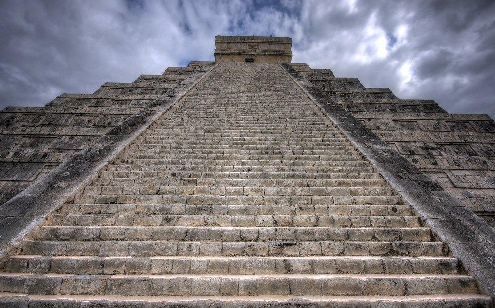 Лестница состоит из 91 ступени