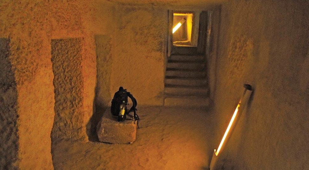 Внутри пирамиды