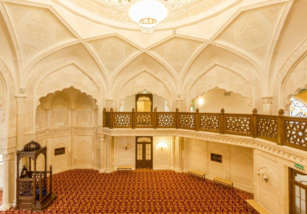 Внутри Белой мечети в Болгаре