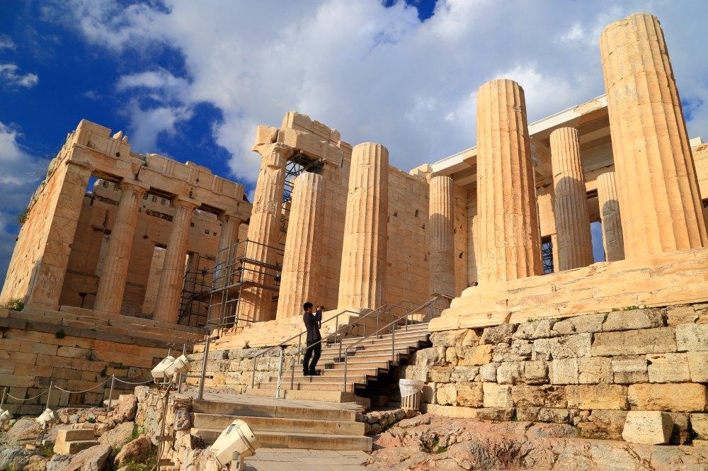 Пропилеи – вход в Акрополь