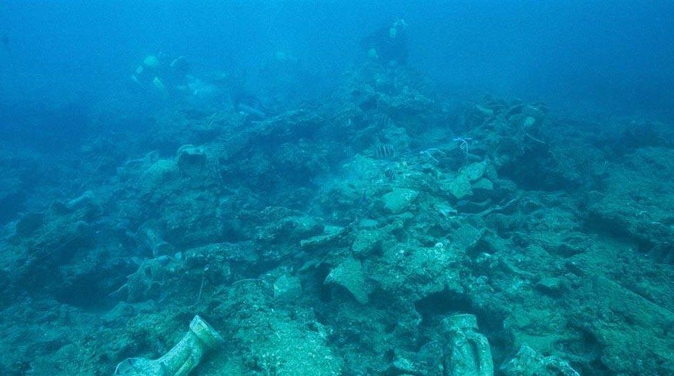 Фрагменты под водой