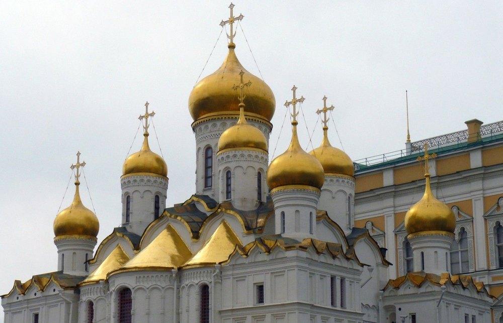 Храм стал девятиглавым в 16 веке