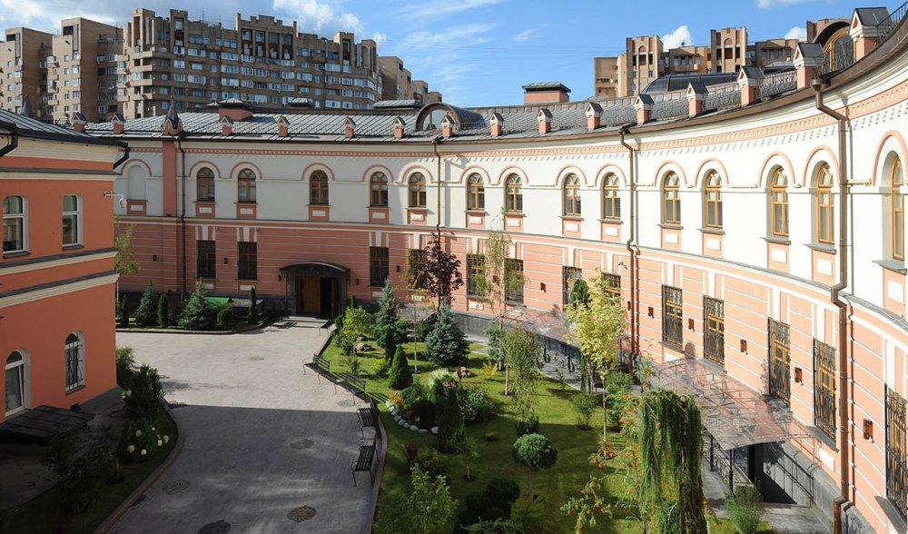 Гостиница при монастыре