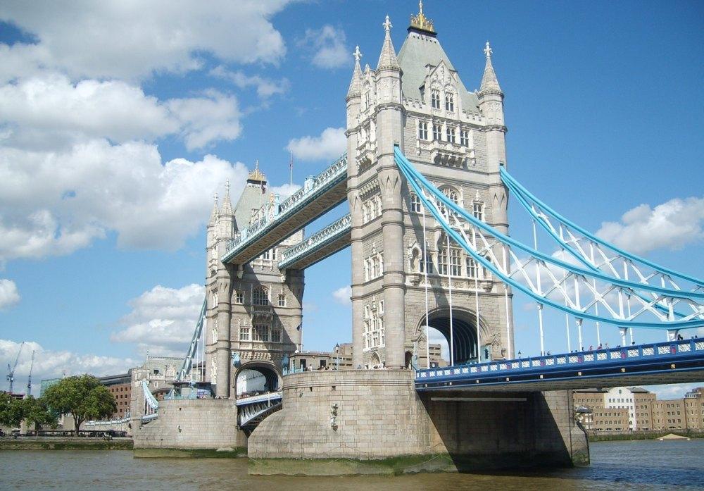 Тауэрский мост в Великобритании