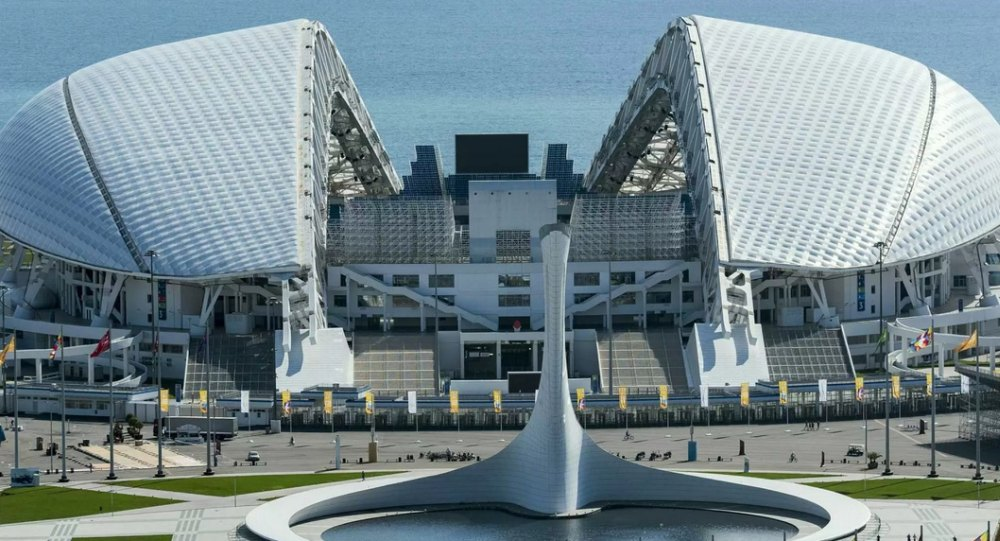 Стадион в Сочи напоминает раковину