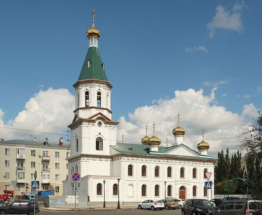 Здание Воскресенского собора в Омске