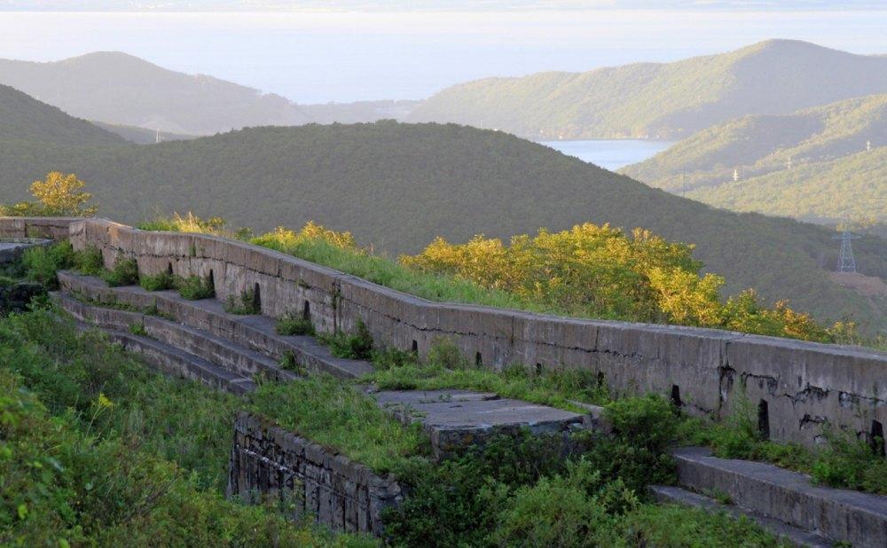 Крепостные сооружения заглублены в грунт