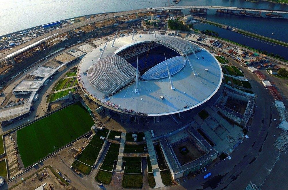 Стадион на Крестовском острове в Санкт-Петербурге, крыша