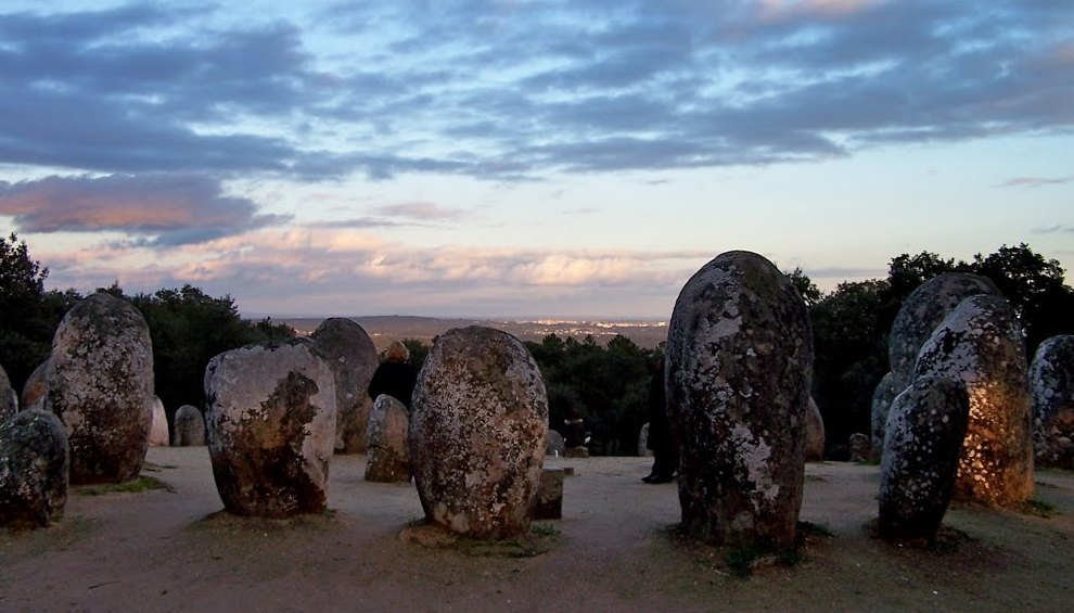 Древние сооружения из камней