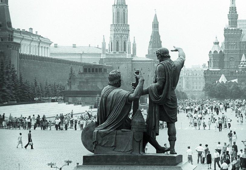Памятник выстоял во времена СССР