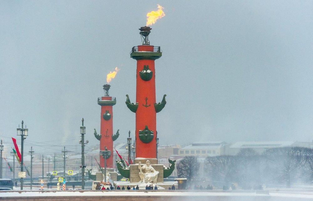 Ростральные колонны, Санкт-Петербург