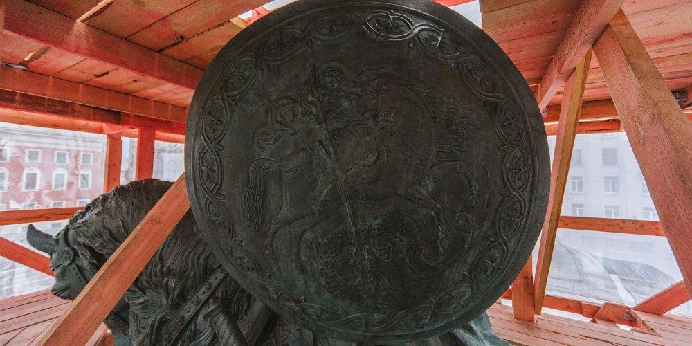 Щит, на котором изображен Георгий Победоносец