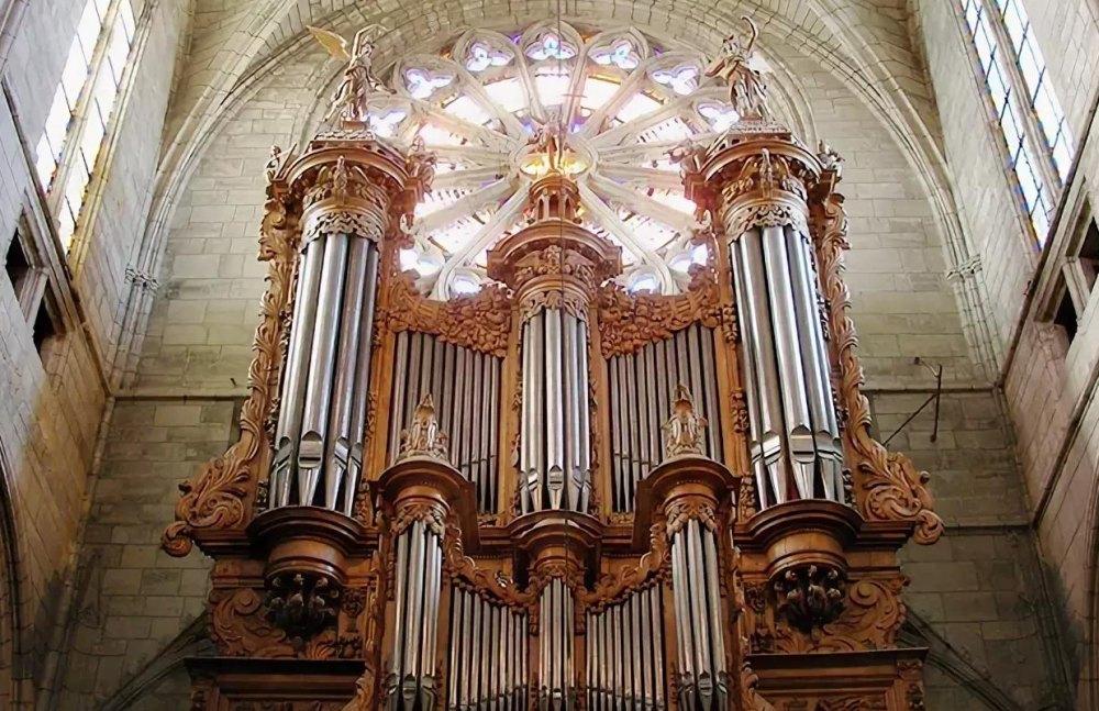 Орган в Англиканском соборе
