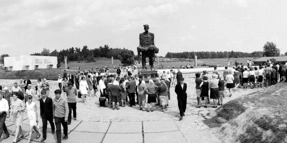 Фото из архива, открытие комплекса