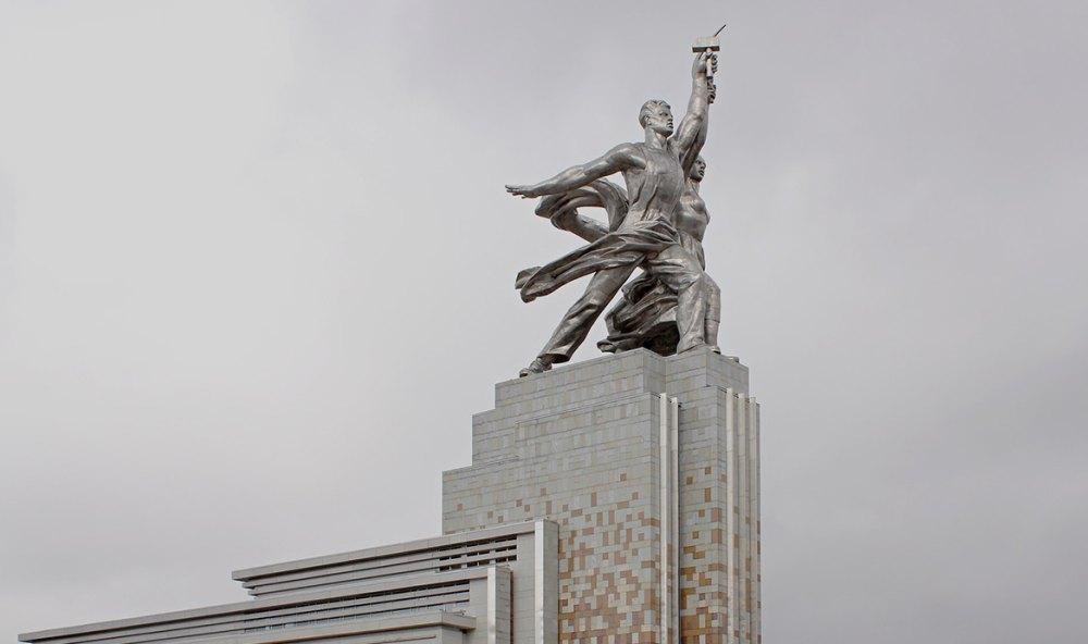 Памятник не перестает восхищать