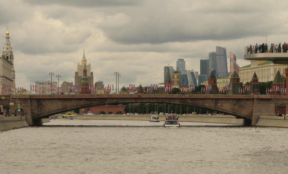 Большой Москворецкий мост через Москву-реку