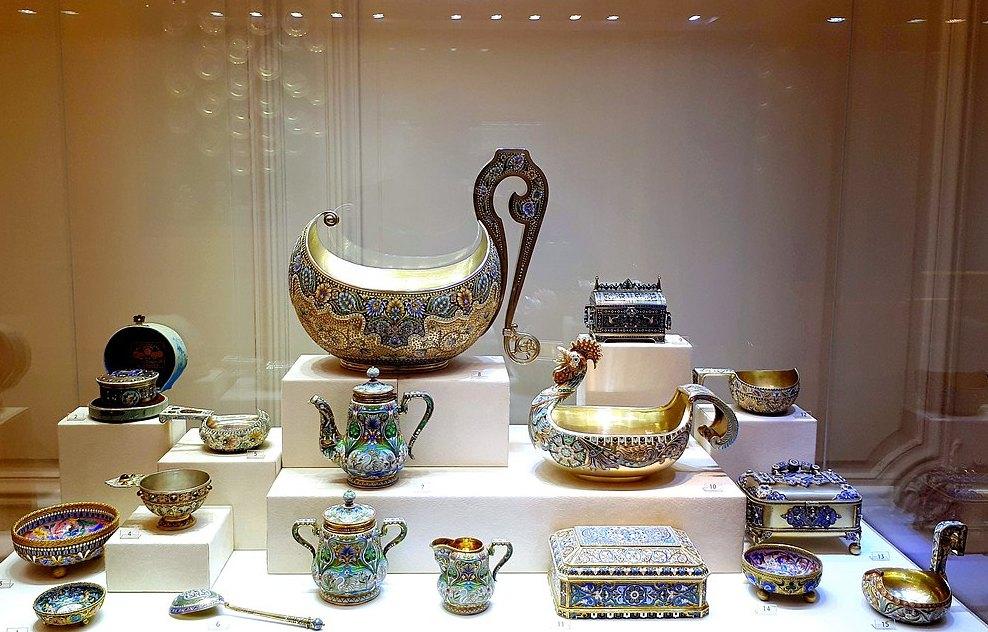 Экспонаты музея Фаберже
