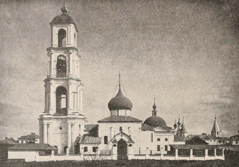 Таким был Георгиевский собор до 1923 года