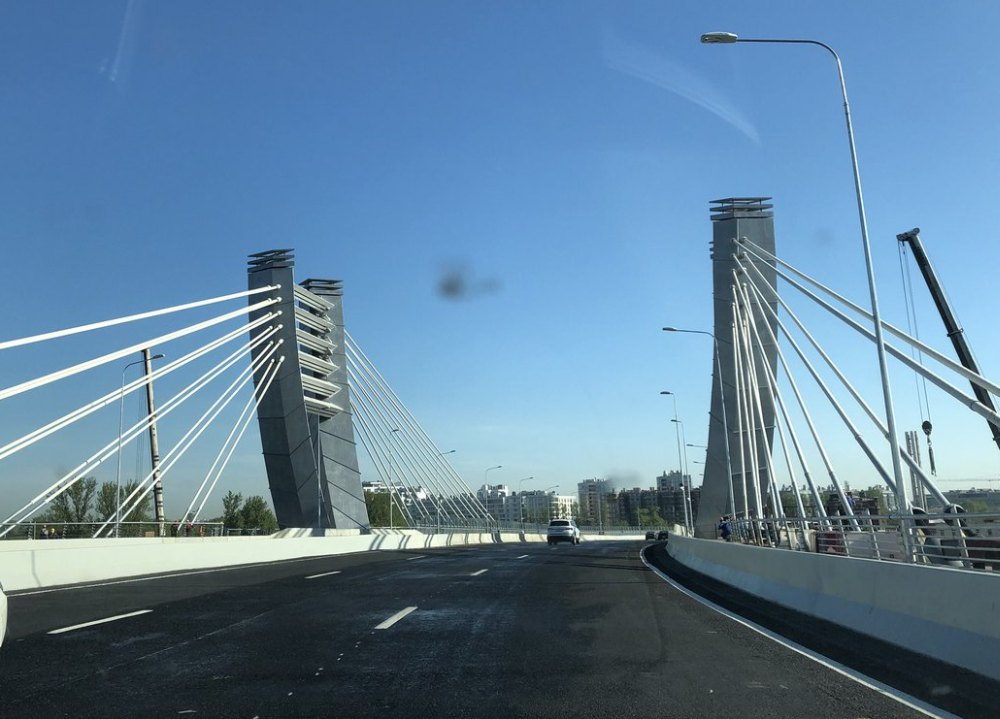 Мост открыт круглосуточно и круглогодично