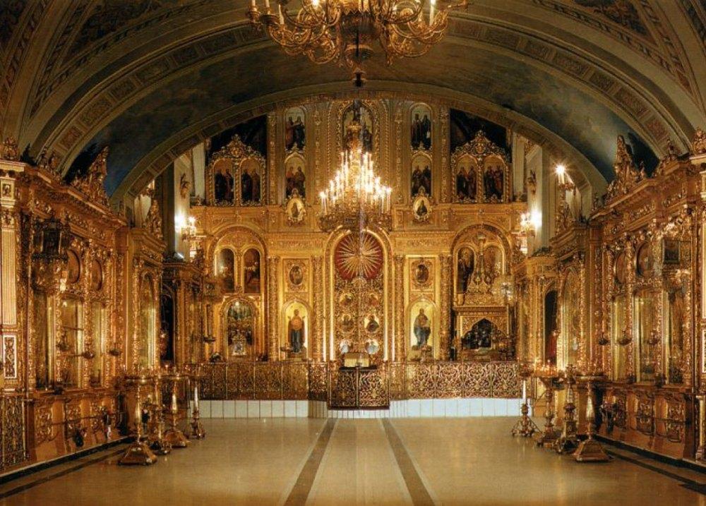 Богоявленская церковь внутри