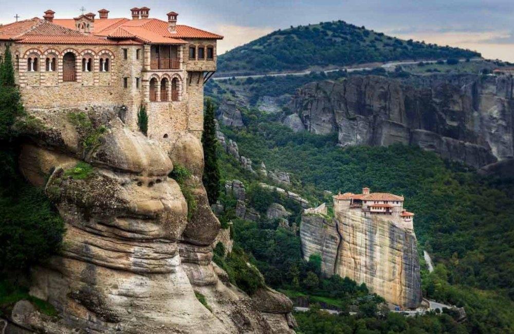 Метеора — греческие скалы