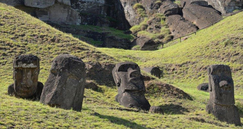 Каменные исполины привели остров к обезлесиванию