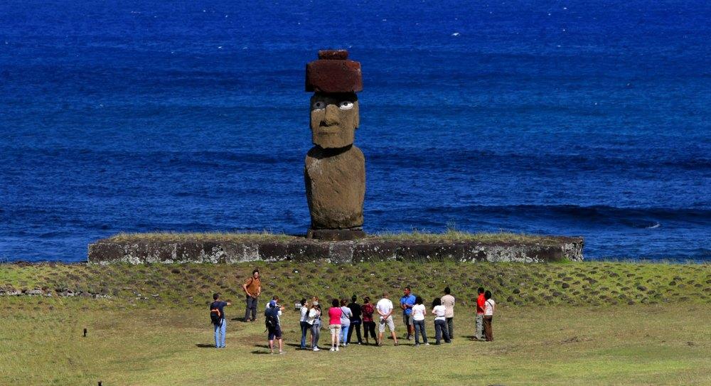 Статуи высотой 10-12 метров весили 10 тонн